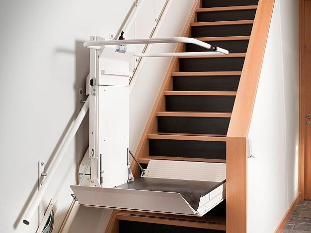 Lehner Delta nuožulnus platforminis keltuvas tiesiems laiptams