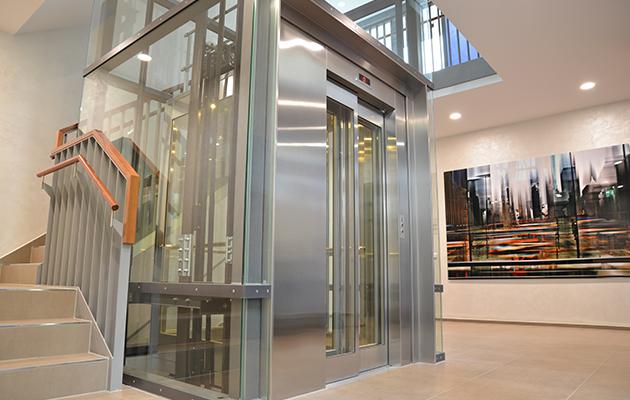 Hirolift  keleiviniai liftai